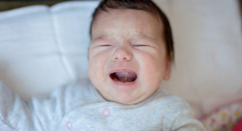 bébé pleure durant la nuit