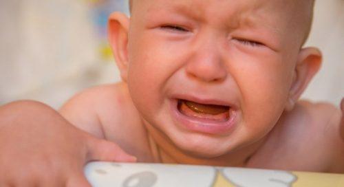 bébé pleure le soir